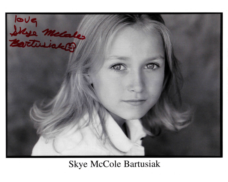 Skye Mccole Bartusiak As Young Katherine Anne Kate Austen Off